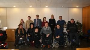 Asistentes al acto representantes de C y J Abogados Mediadores y de RED Proyecto Social
