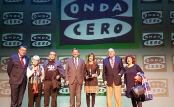 Mienbros de la junta de la Plataforma Voluntariado Comunidad Valenciana, con el Presidente de la generalitat Valenciana