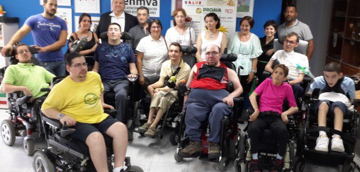 Miembros de AFENMVA con Alcaldesa de Bonrepos I Mirambell y representantes RED Proyecto Social - RAMPA DIGITAL