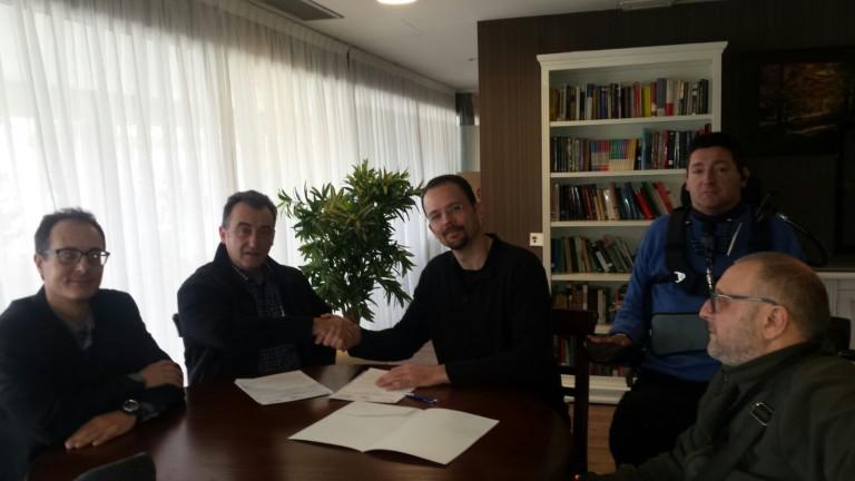 Momentos de la firma Convenio Daas Group inSuit y Red Proyecto Social discapacidad tecnología