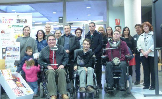 Mienbros del equipo de gobierno del Ayuntamiento de Bonrepos Miranbell, asociaciones promotoras de Rampa Digital y comercios y empresas del municipio colaboradoras