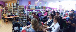 Imagen del publico asistente a la presentación ARTE INCLUSIVO en la Libreria ShalaKabula