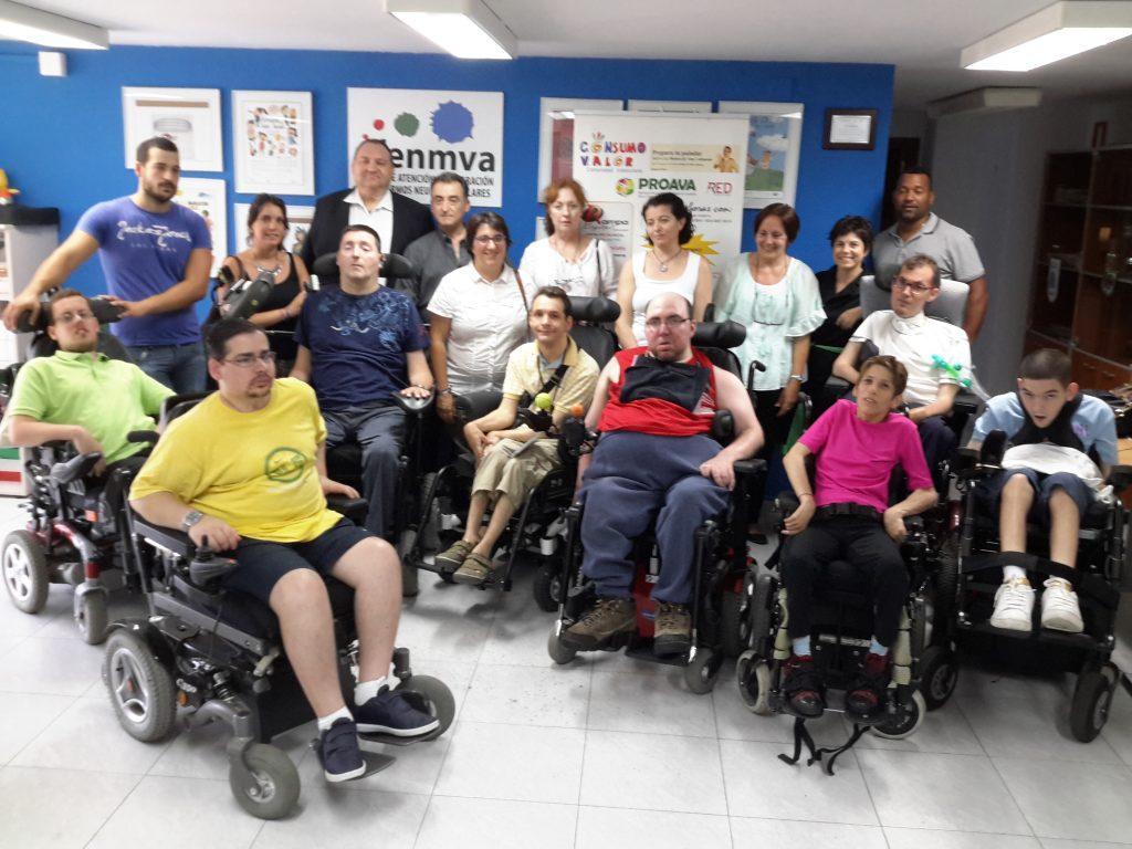 Miembros de AFENMVA con Alcaldesa de Bonrepos I Mirambell y representantes de las entidades promotoras de RAMPA DIGITAL