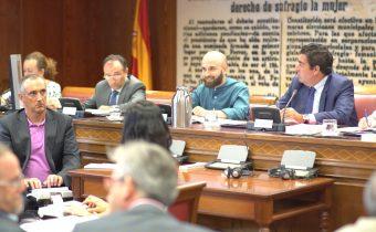 Miguel Angel Font en su ponencia en el senado