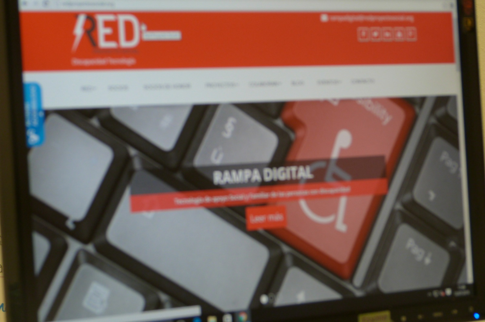 Web RED PROYECTO SOCIAL accesible con programa #inSuit