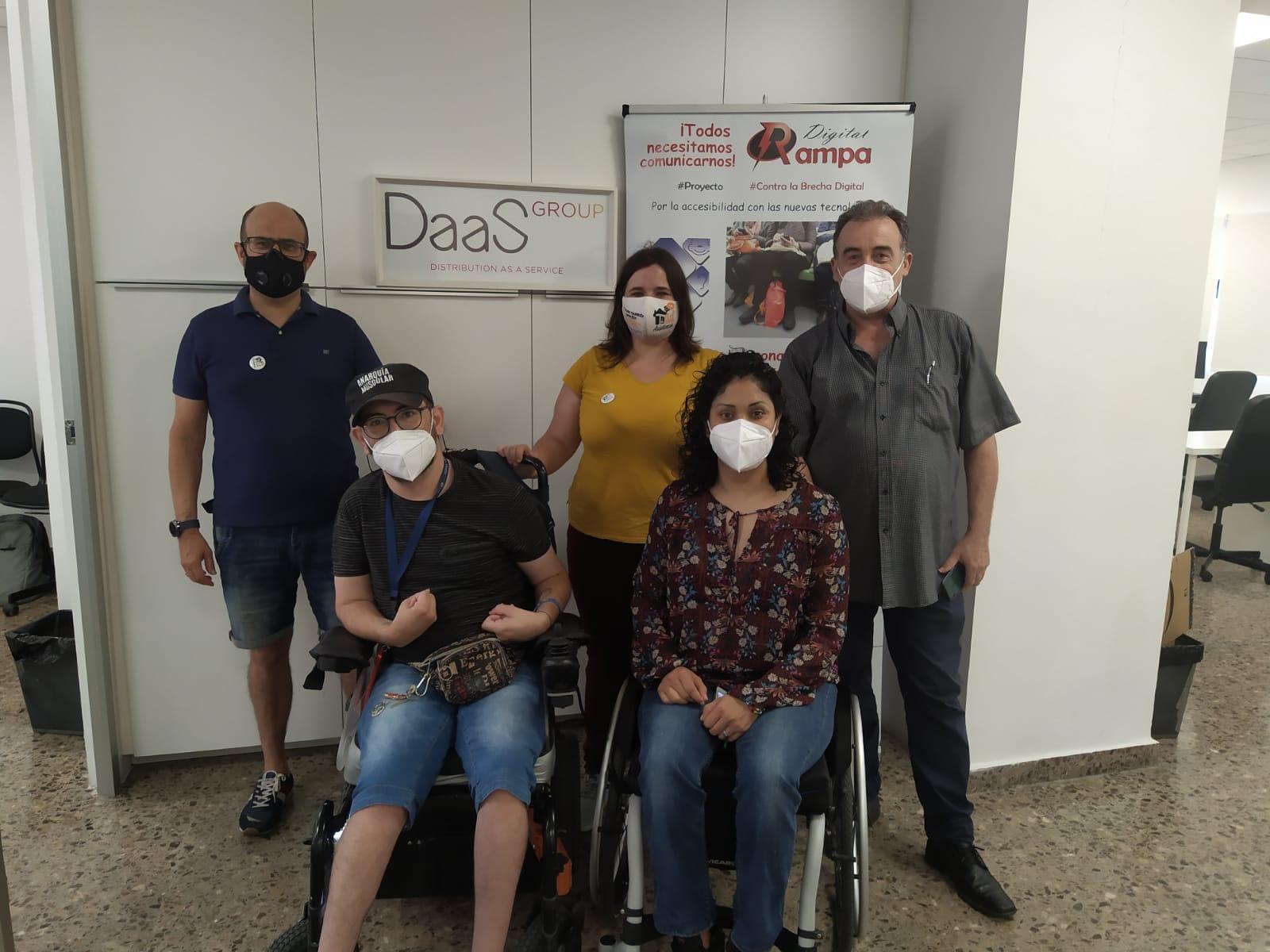 Miembros del equipo comisión empleo tecnológico con apoyo #ETCA en las instalaciones de #inSuit con Juan Antonio de Daas Group