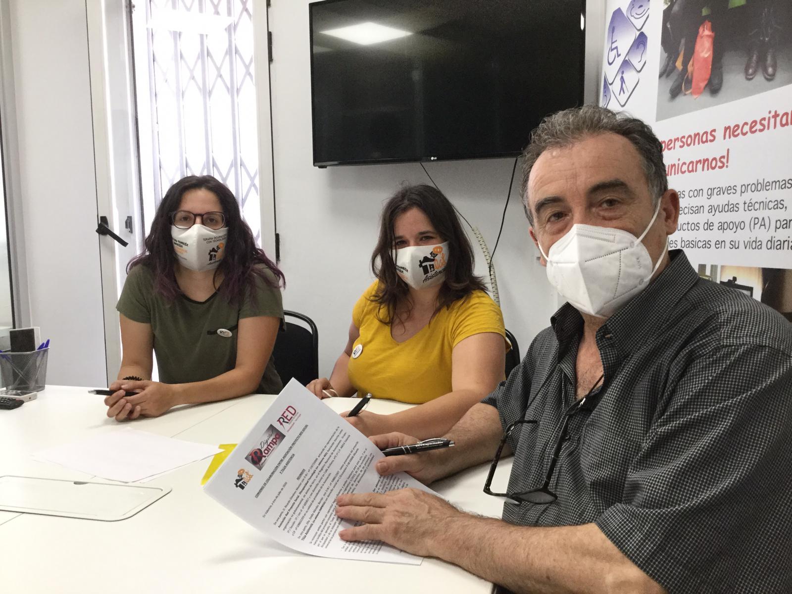 Representantes de TILÚA y Asociación RED Proyecto Social Discapacidad Tecnología